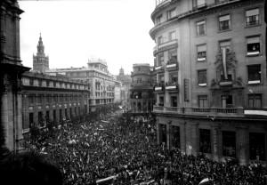 Manifestación en Sevilla, el 4D de 1977. Foto: Manuel Sanvicente