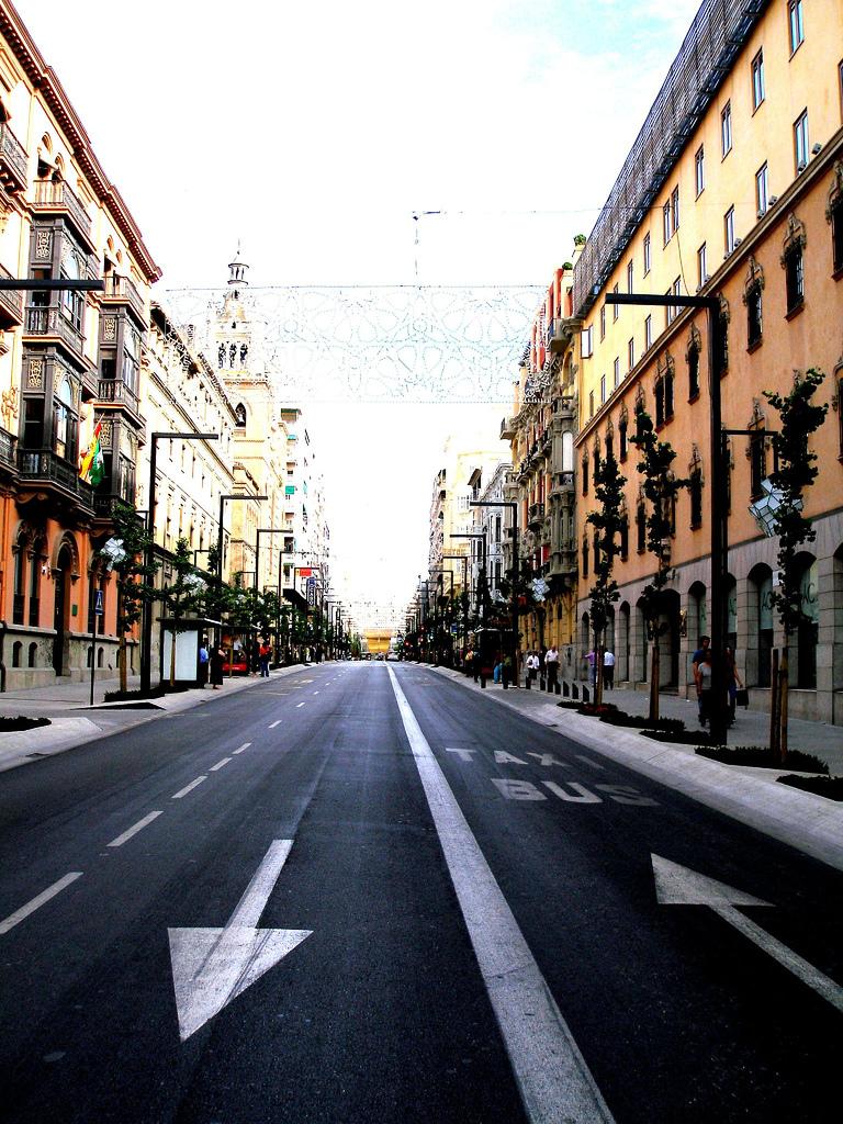 Gran Vía de Granada. Foto: Landahlauts
