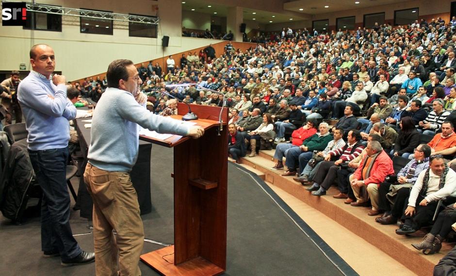 Asamblea de trabajadores de Lipasam. Foto Sevillareport