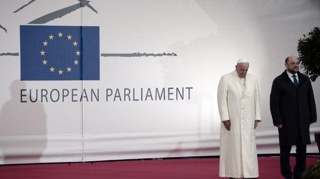 Papa-Consejo-Europa-Santo-Padre_TINIMA20141125_0238_5